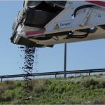 minizanja con carga directa de escombros al camión